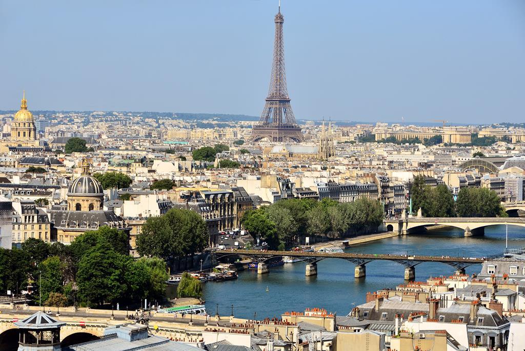 6 Reasons to Buy Property in Paris