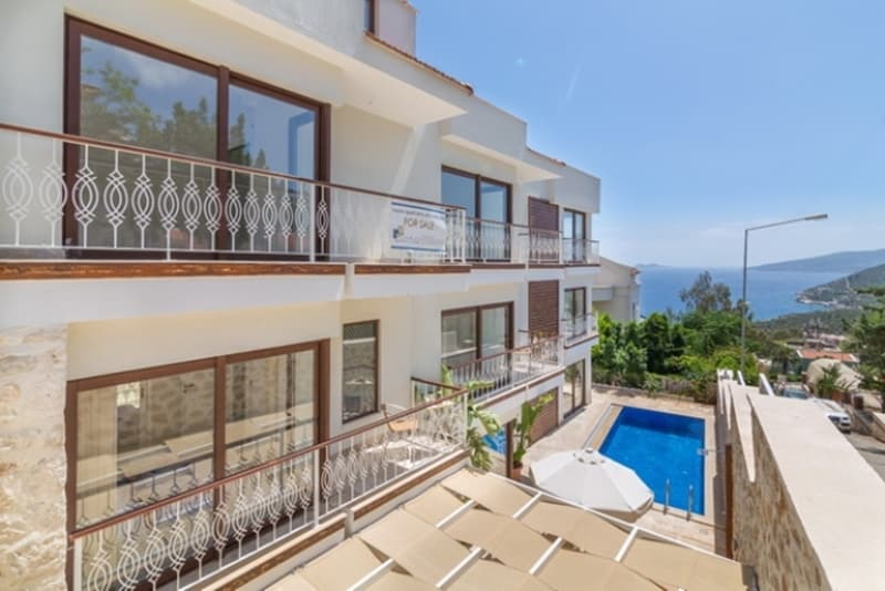 Foreign House Sales in Turkey Double Amid Lucrative Incentives