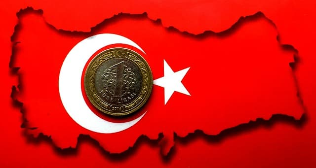 Turkish Lira Crisis Boosts Foreign Tourism to All-Time High