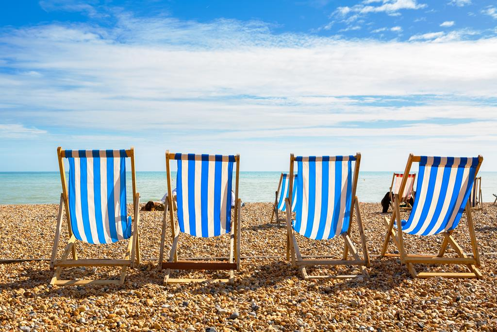 Eight reasons 2020 is the year to buy a UK furnished holiday let!
