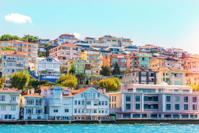 can foreigners buy property in Istanbul