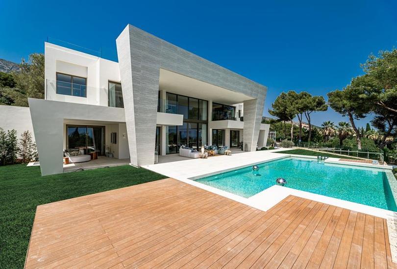 luxury international real estate