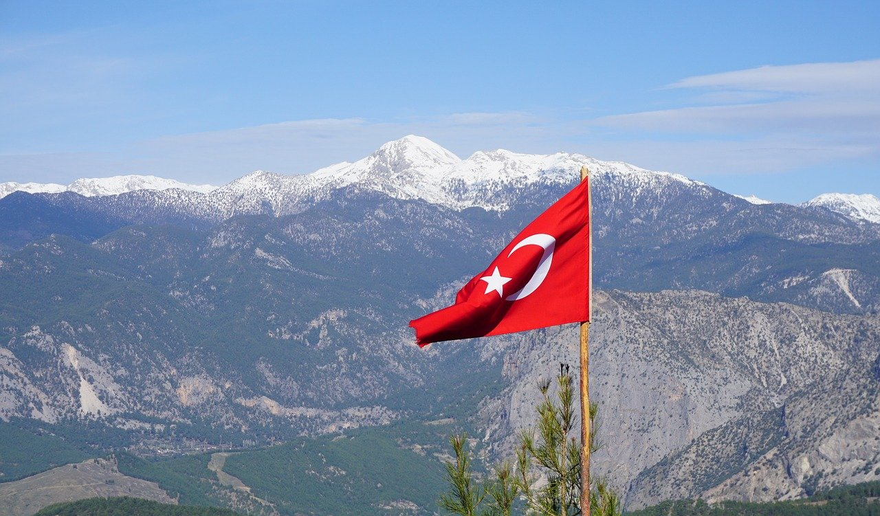 What are the Rules for Buying Property in Turkey as a Foreigner?
