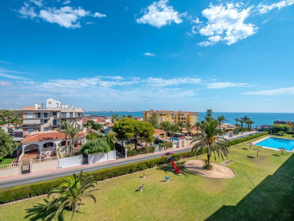 best places to live in alicante spain
