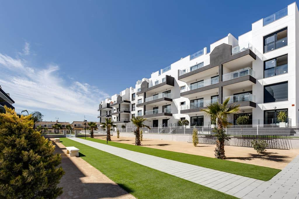 reasons to retire to Alicante