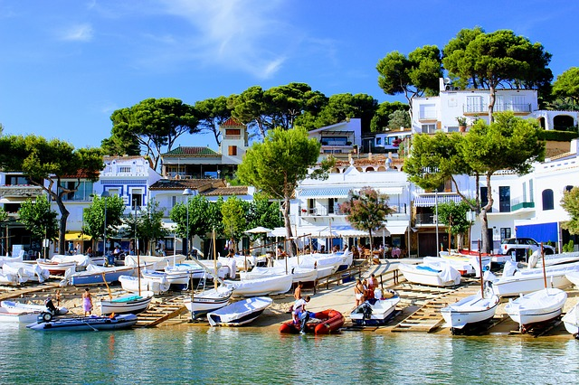 The Best Spanish Costas: Expats Guide on Where to Live