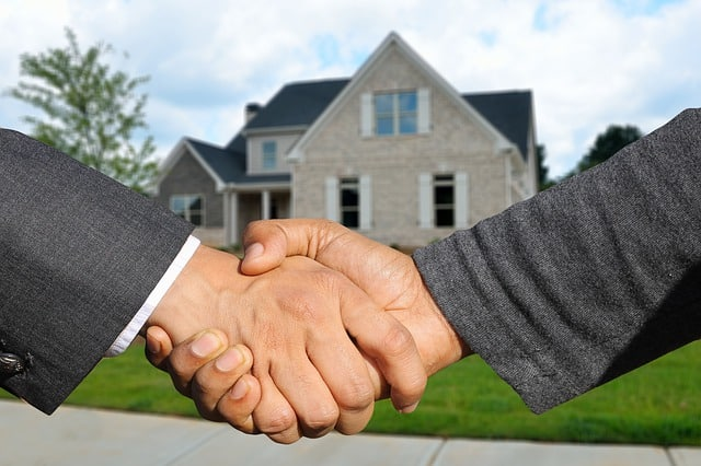 What Does an International Real Estate Agent Do?
